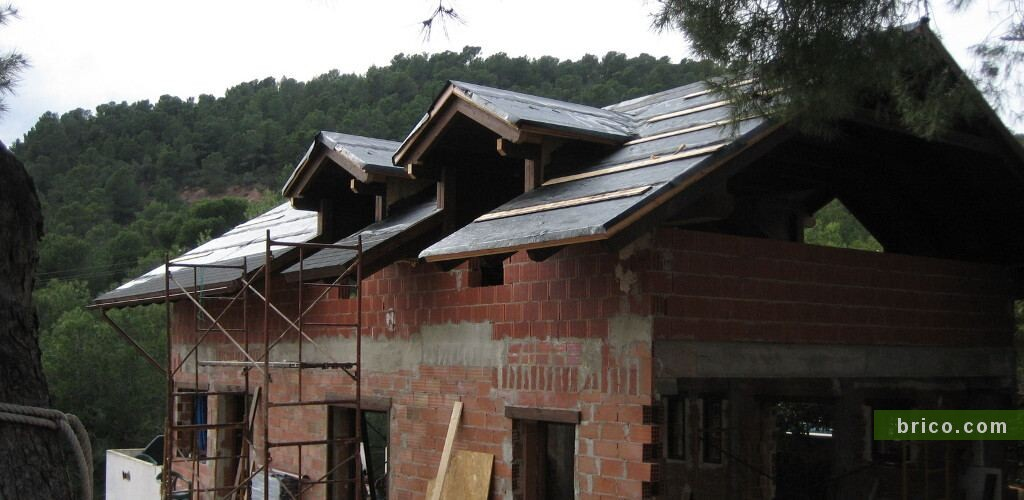 Construccion de cubierta de obra nueva dos aguas