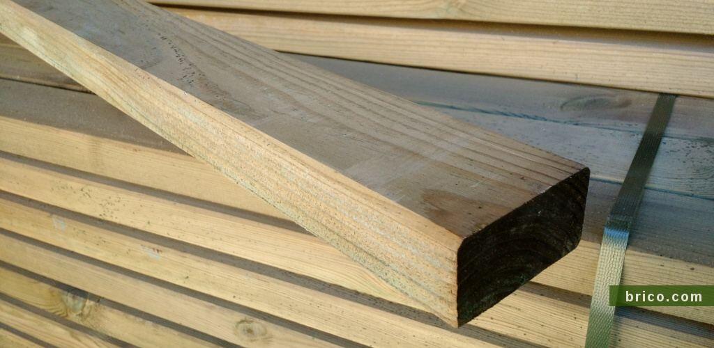 Listones de pino tratado en autoclave