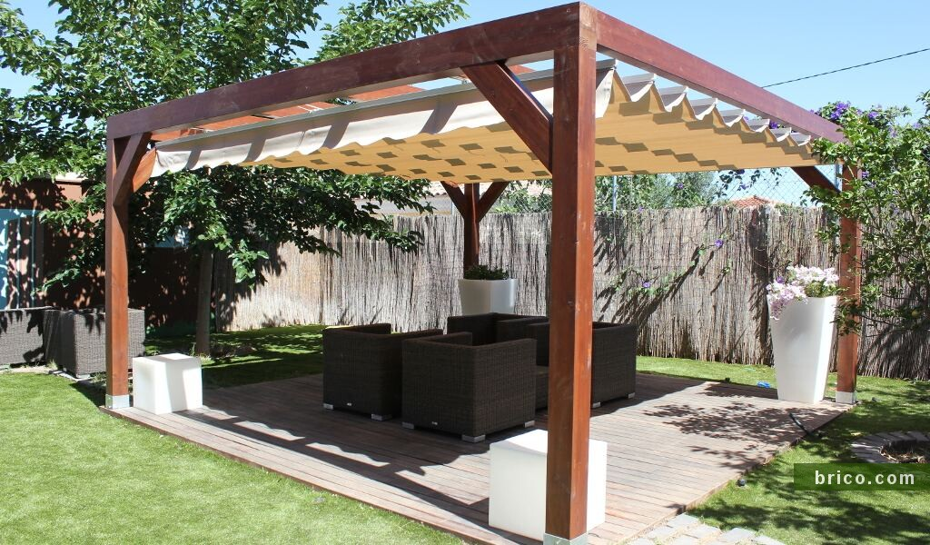 Pergola independiente con toldo
