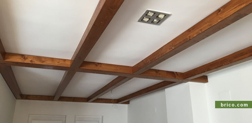 Vigas de madera en decoracion interior