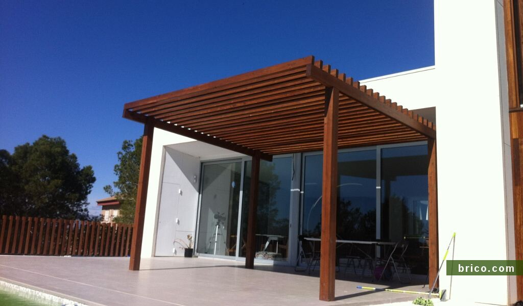 Pergola de madera sin techo