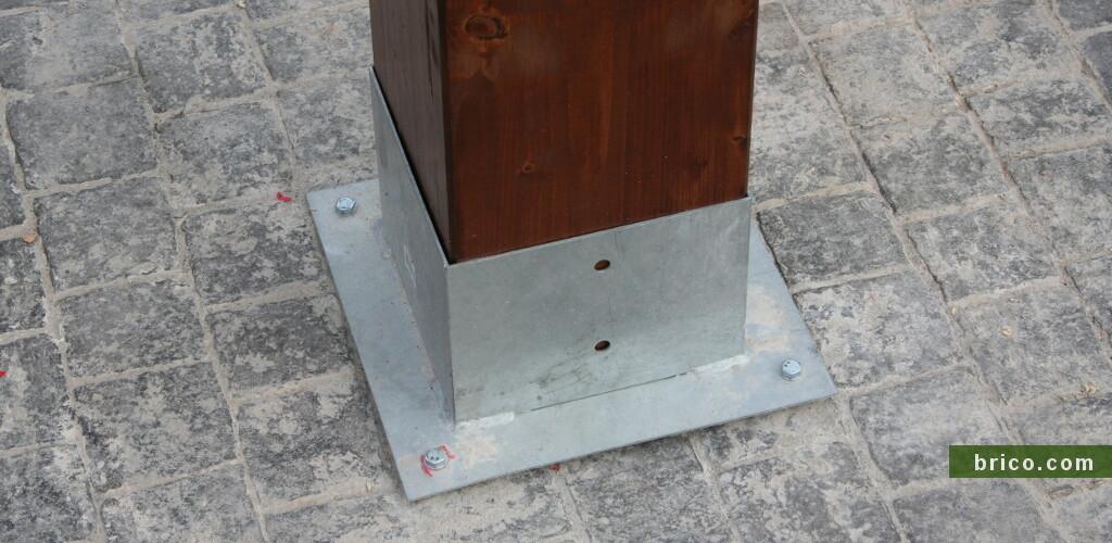 Base de cubo para pilar de madera